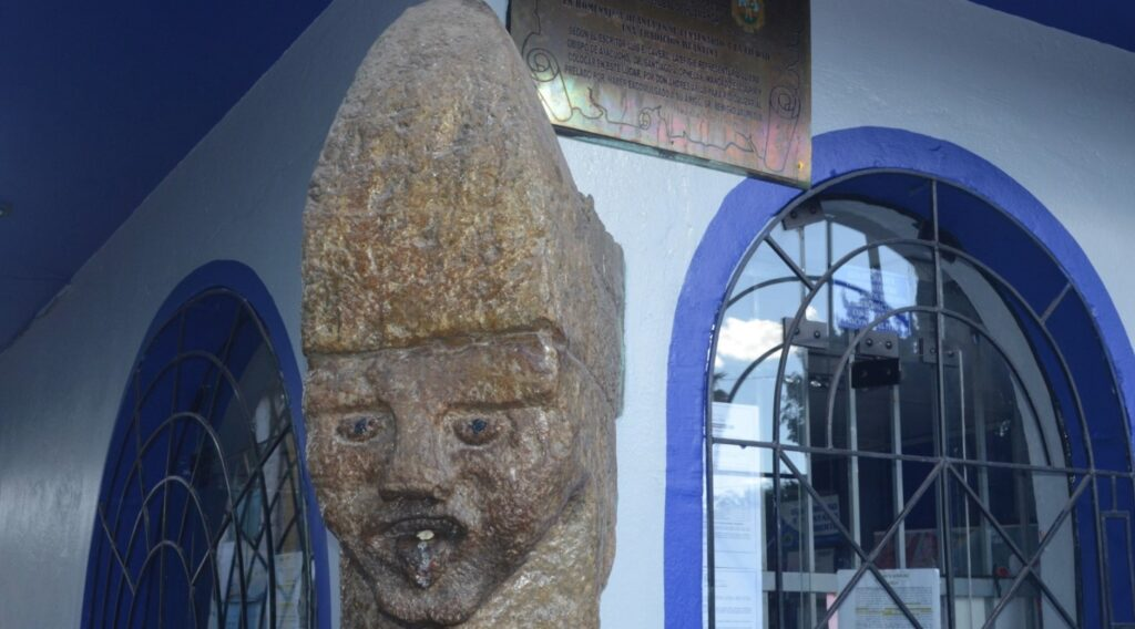 Lugares turísticos de Huanta - Iglesia matriz San Pedro